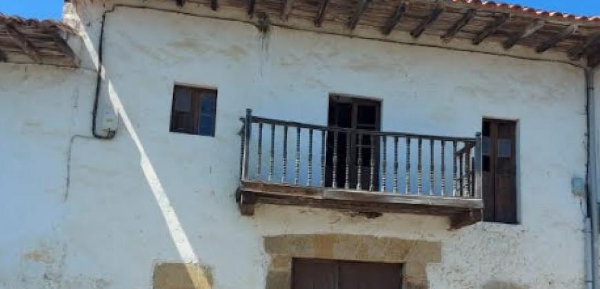 Casa de piedra a 3 km de Noja a rehabilitar entera
